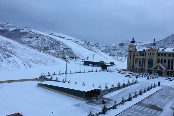 岱海国际滑雪场